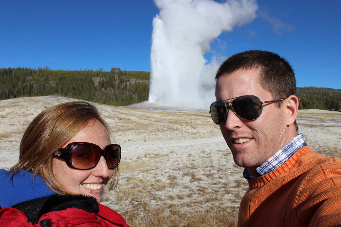 brianna-and-ian-at-old-faithful