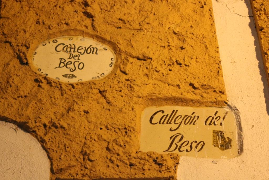 Callejón del Beso Sign