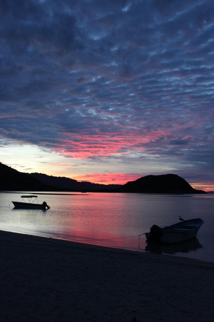 Sunrise at Playa Santispak