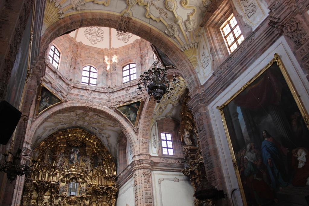 Inside La Valenciana Church