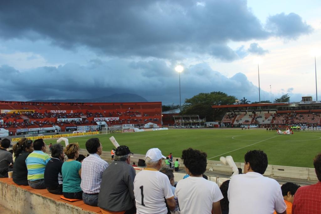 Estadio Víctor Emanuel Reyna