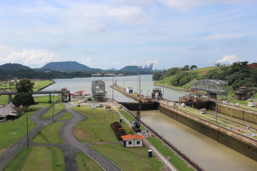 Beginning of Miraflores Locks