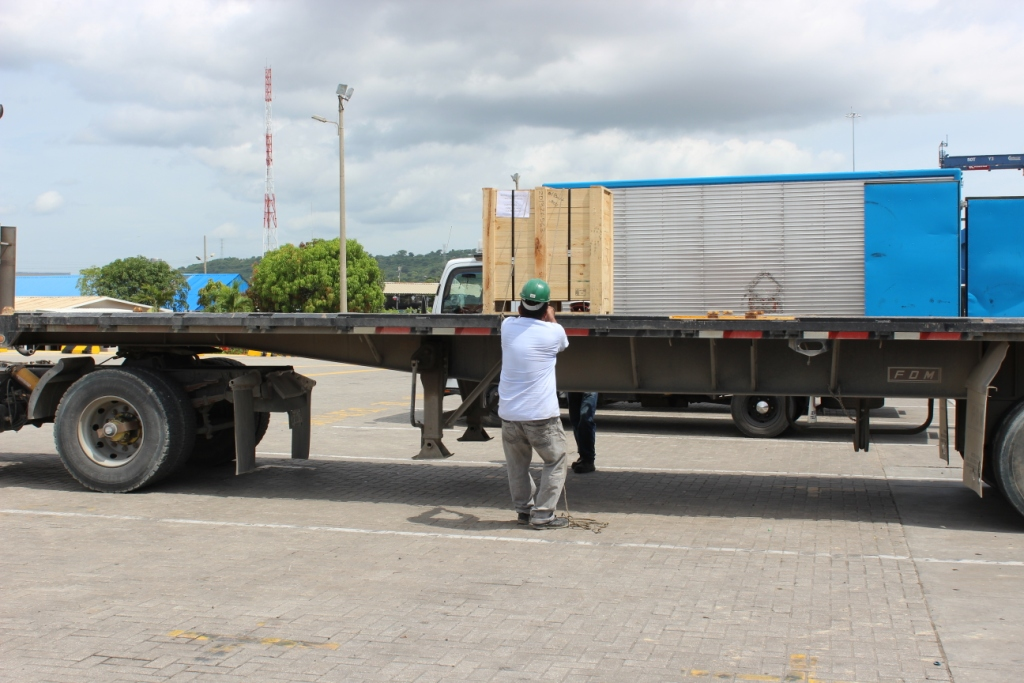 Ridiculousness of the Darien Gap unloading process