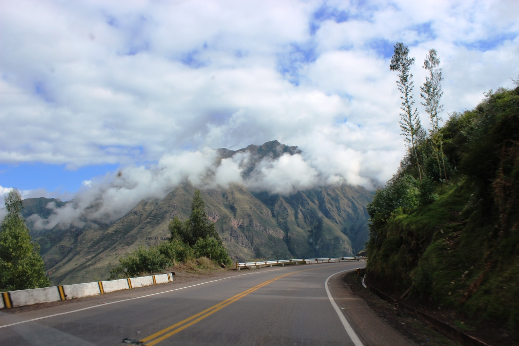 Driving through the Sacred Valley of the Inca