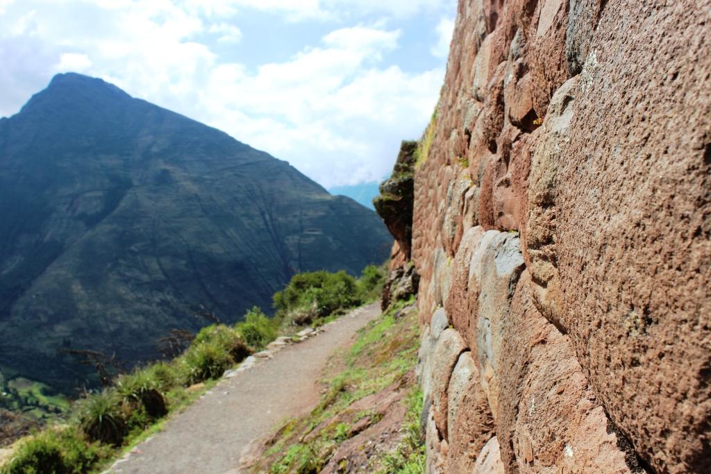Mountain-edge Trail