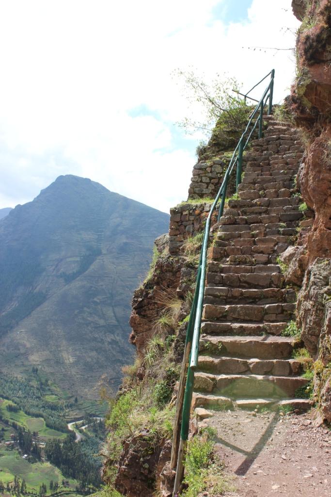 Mountain-edge Trail Stairs