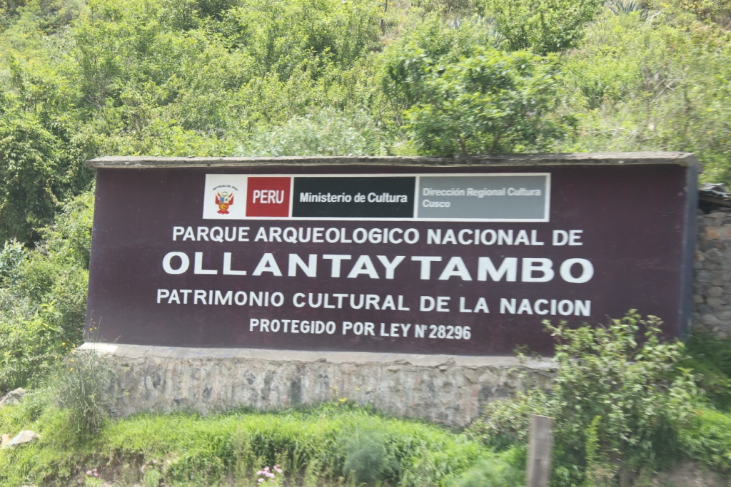 Official Ollantaytambo Sign