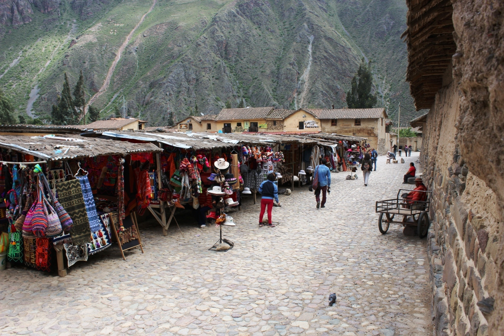 Market at Ollantaytambo
