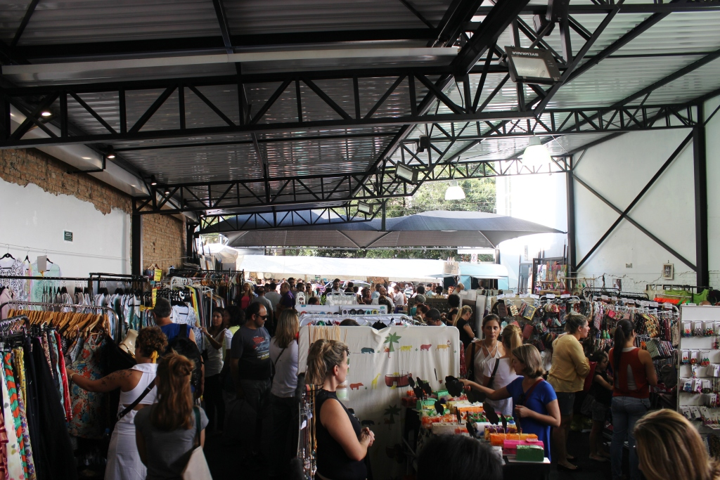 Off Shoot Clothing Market near Calixto